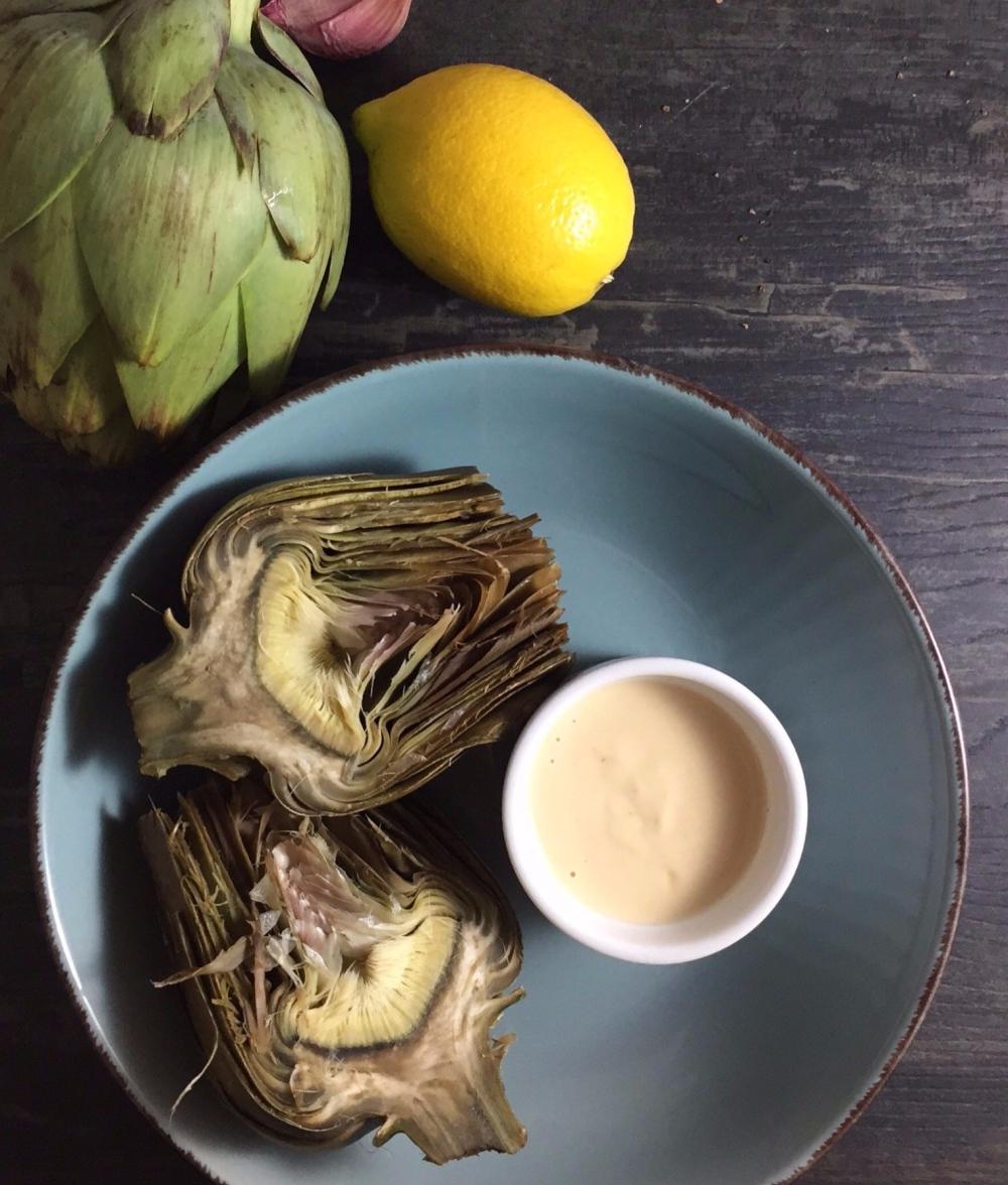 Alcachofa y Salsa de Tahini
